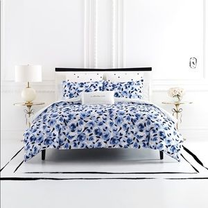 Kate spade comf. Set- navy rose Queen/Full